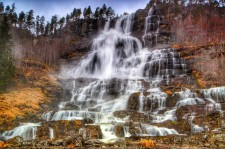 tvindefossen-waterfall